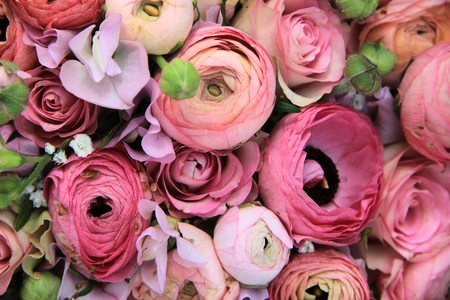 Ranunculus and pink roses bouquet