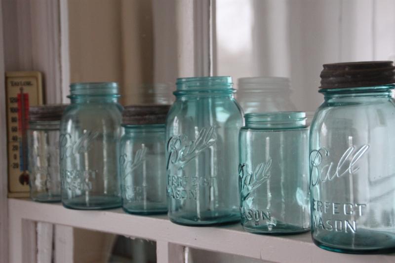 Mason-jars-2258471_1920